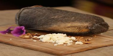 Adige peynirinin kalorili içeriği ve beslenme beslenmesindeki faydaları